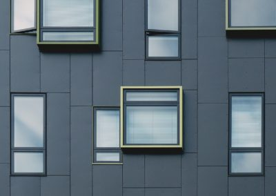 okno a výlohy